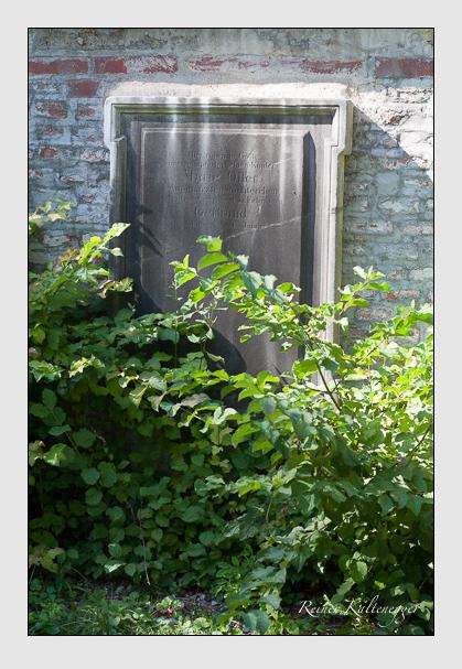 Grab der Familie Öller auf dem Alten Südfriedhof München (September 2011)