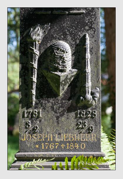 Grab der Familie Liebherr auf dem Alten Südfriedhof München (September 2011)