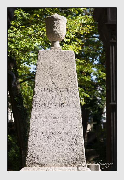 Grab der Familie Schmalix auf dem Alten Südfriedhof München (September 2011)