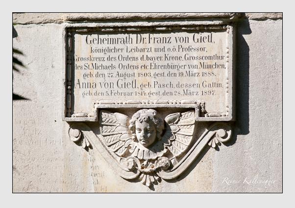 Grab der Familien Gietl · Pasch auf dem Alten Südfriedhof München (September 2011)