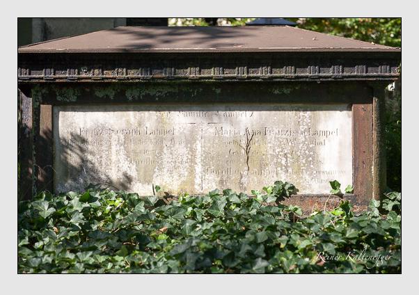 Grab der Familie Lampel auf dem Alten Südfriedhof München (Oktober 2011)