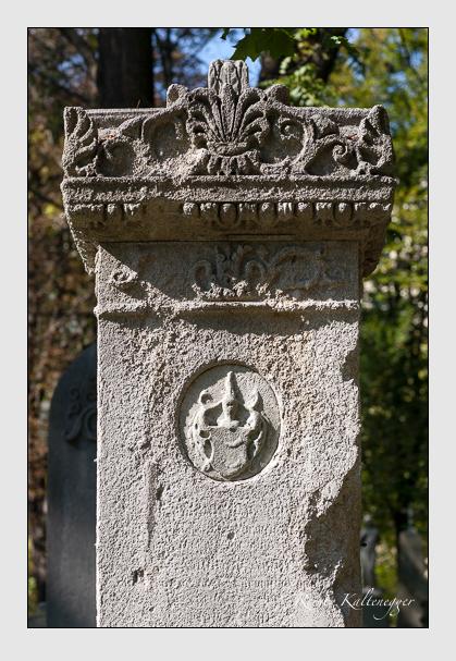 Grab der Familie Bar auf dem Alten Südfriedhof München (Oktober 2011)