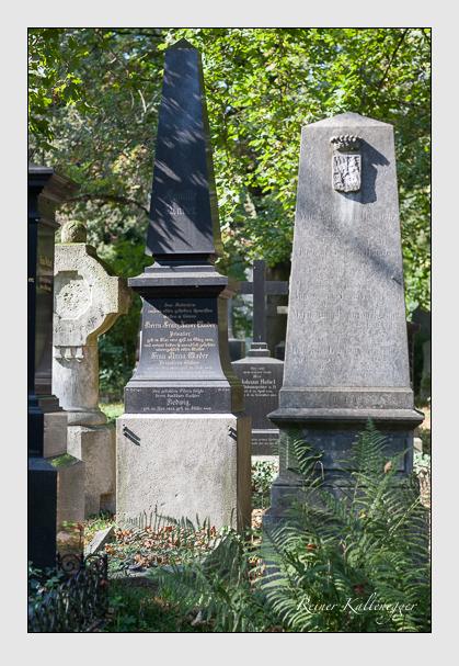 Grab der Familien Kaiser & Mader auf dem Alten Südfriedhof München (Oktober 2011)