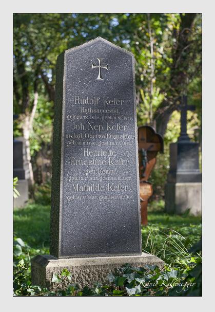 Grab der Familie Kefer auf dem Alten Südfriedhof München (Oktober 2011)