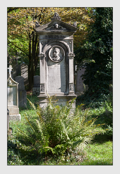 Grab der Familien Diernberger · Hierstetter auf dem Alten Südfriedhof München (Oktober 2011)
