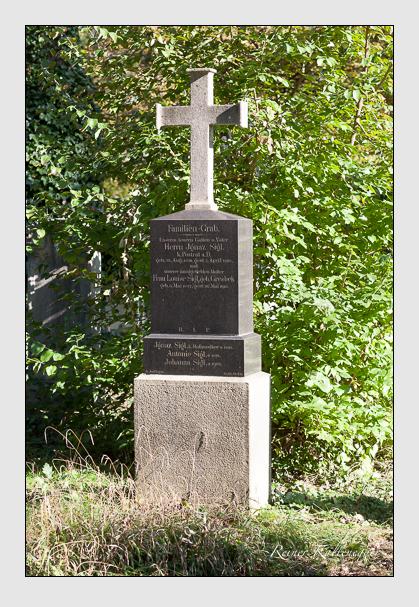 Grab der Familie Sigl auf dem Alten Südfriedhof München (Oktober 2011)