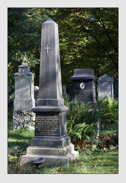 Grab der Familie Strobl auf dem Alten Südfriedhof München (Oktober 2011)