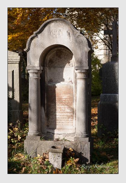 Grab der Familien Vith & Wolf auf dem Alten Südfriedhof München (November 2011)