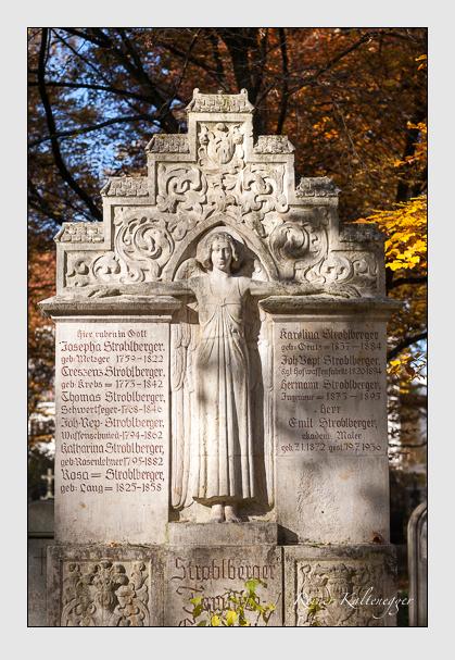 Grab der Familie Stroblberger auf dem Alten Südfriedhof München (November 2011)