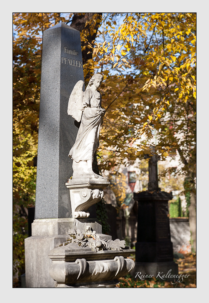 Grab der Familien Pfaller · Pfeifer · Schneider auf dem Alten Südfriedhof München (November 2011)