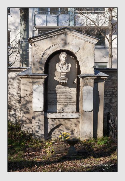 Grab der Familie Braun auf dem Alten Südfriedhof München (November 2011)