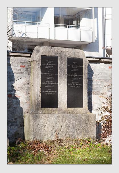 Grab der Familie Röckenschuss auf dem Alten Südfriedhof München (November 2011)