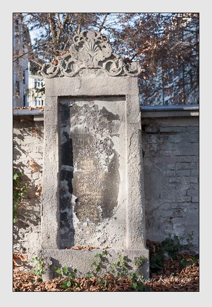 Grab der Familie Bernhard auf dem Alten Südfriedhof München (November 2011)