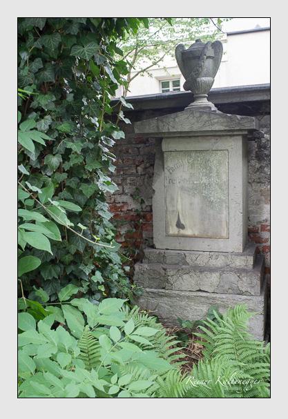 Grab der Familien Gruben & Temple auf dem Alten Südfriedhof München (August 2012)