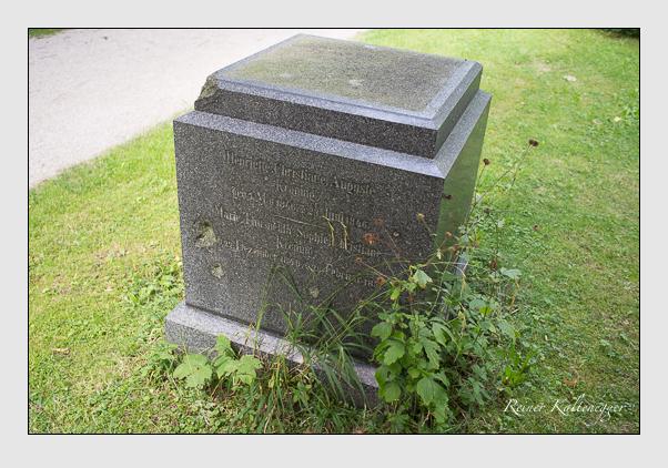Grab der Familie Kroning auf dem Alten Südfriedhof München (August 2012)