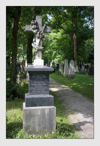 Grab der Familie März auf dem Alten Südfriedhof München (August 2012)