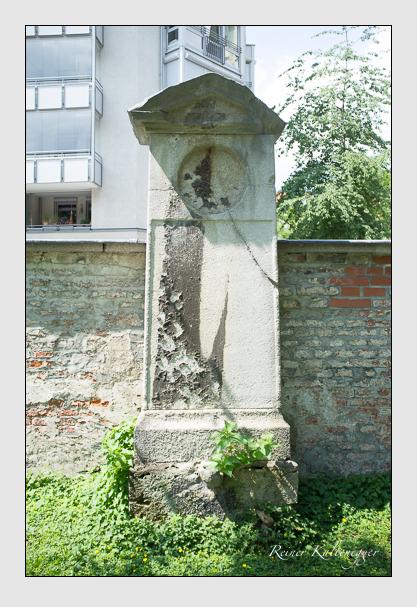Grab der Familie Hartz auf dem Alten Südfriedhof München (August 2012)