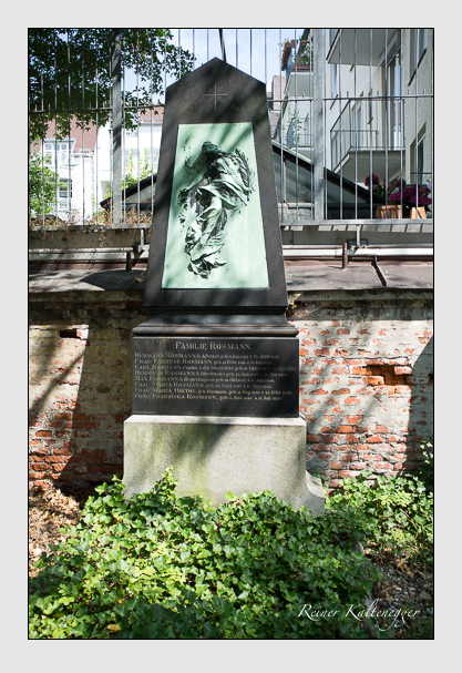Grab der Familien Hirthe · Rosmann auf dem Alten Südfriedhof München (August 2012)