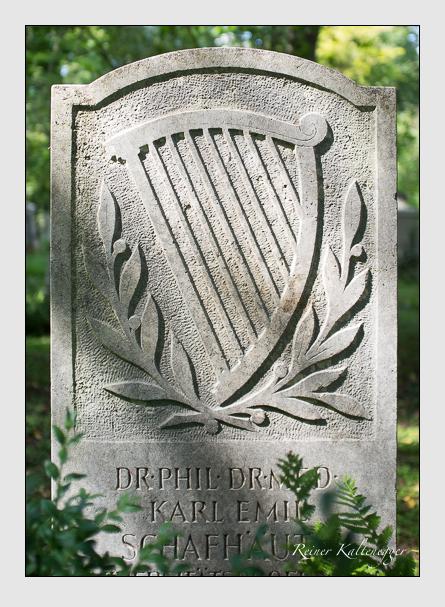 Grab der Familie Schafhäutl auf dem Alten Südfriedhof München (August 2012)