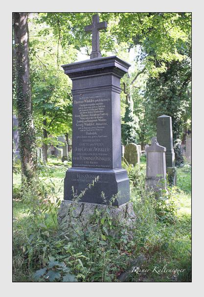 Grab der Familie Winkler auf dem Alten Südfriedhof München (August 2012)