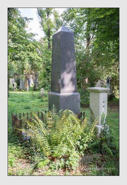Grab der Familie Enger auf dem Alten Südfriedhof München (August 2012)