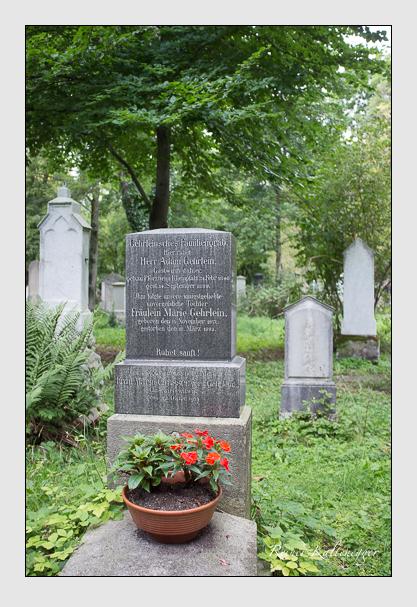 Grab der Familien Gehrlein · Grasser auf dem Alten Südfriedhof München (August 2012)