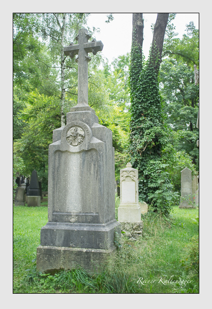 Grab der Familie Heckel auf dem Alten Südfriedhof München (August 2012)