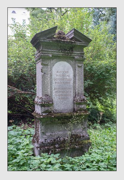 Grab der Familie Gottgetreu auf dem Alten Südfriedhof München (August 2012)