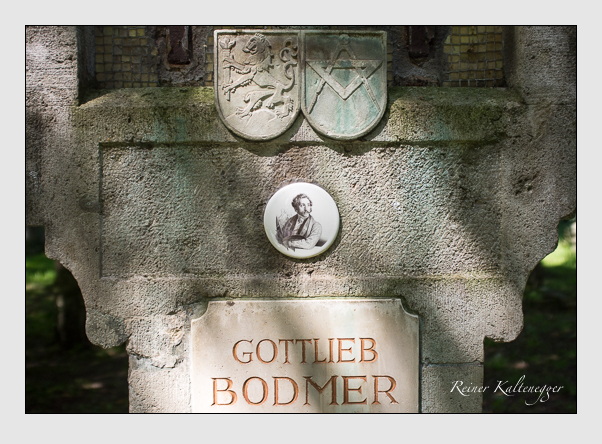 Grab der Familie Bodmer auf dem Alten Südfriedhof München (August 2012)