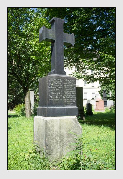 Grab der Familien Beer & Ilg & Köll & Pröbstl & Rasp auf dem Alten Südfriedhof München (August 2012)