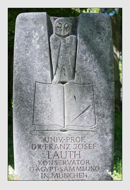 Grab der Familie Lauth auf dem Alten Südfriedhof München (August 2012)