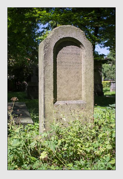 Grab der Familie Hartmann auf dem Alten Südfriedhof München (August 2012)