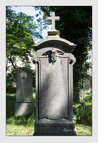 Grab der Familien Neumüller & Sasse auf dem Alten Südfriedhof München (August 2012)