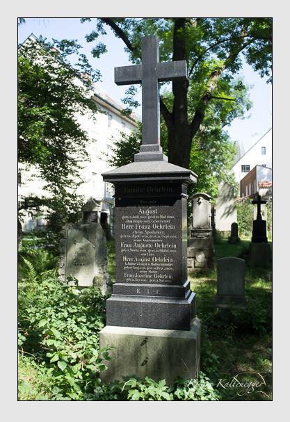 Grab der Familie Öhrlein auf dem Alten Südfriedhof München (August 2012)