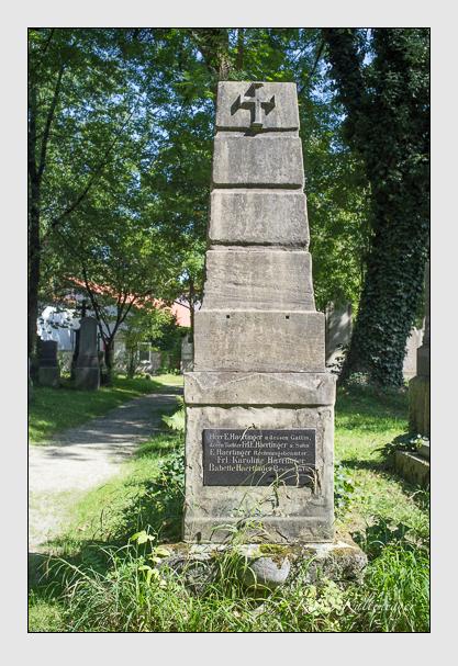 Grab der Familie Haertinger auf dem Alten Südfriedhof München (August 2012)
