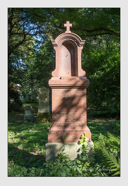 Grab der Familie Winkler auf dem Alten Südfriedhof München (September 2012)