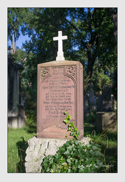 Grab der Familien Erdmannsdorffer & Fuchshuber & Würfel auf dem Alten Südfriedhof München (September 2012)