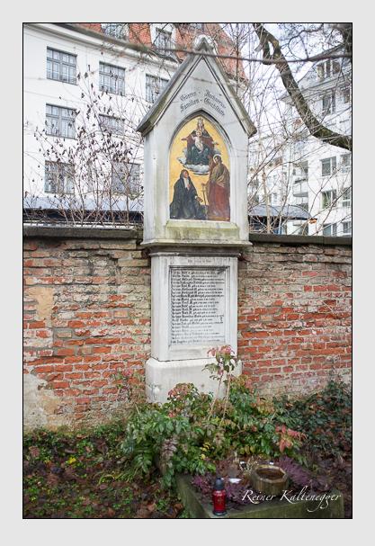 Grab der Familien Biegeleben & Ferstl & Görres & Jochner & Radl & Steingaß auf dem Alten Südfriedhof München (Dezember 2012)