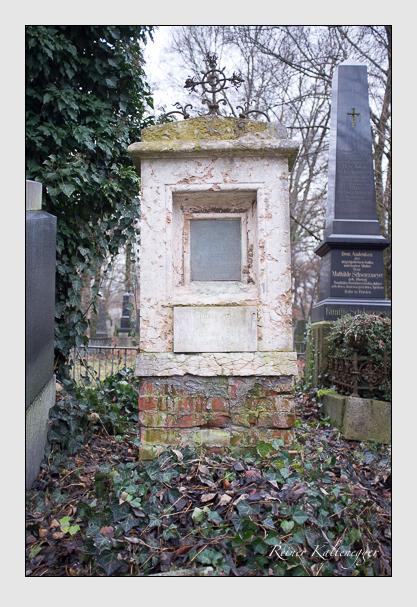 Grab der Familien Sigl & Wepper auf dem Alten Südfriedhof München (Dezember 2012)