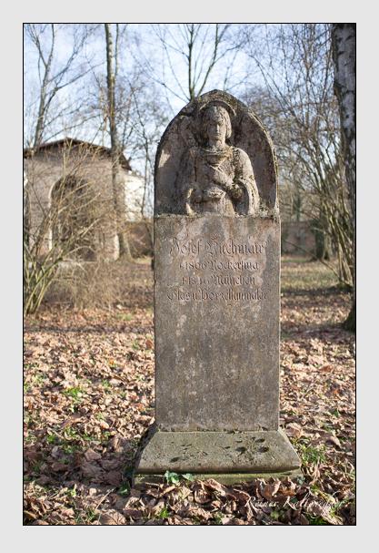 Grab der Familie Kirchmair auf dem Alten Südfriedhof München (Dezember 2012)
