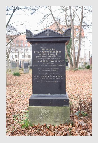 Grab der Familie Wenninger auf dem Alten Südfriedhof München (Dezember 2012)