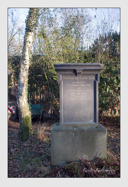 Grab der Familie Moll auf dem Alten Südfriedhof München (Dezember 2012)