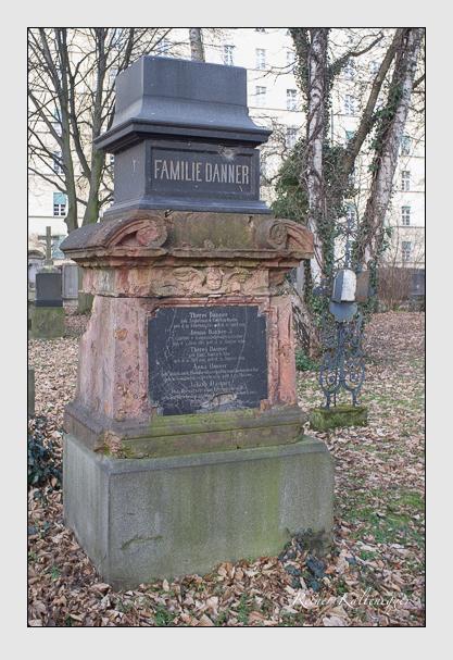 Grab der Familie Danner auf dem Alten Südfriedhof München (Dezember 2012)