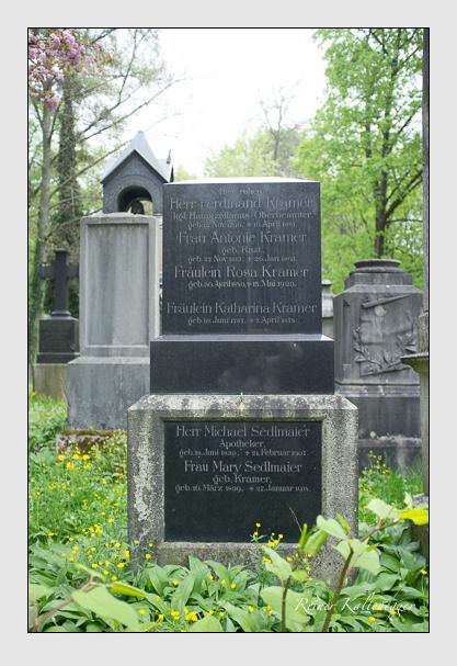 Grab der Familien Kramer · Sedlmaier auf dem Alten Südfriedhof München (Mai 2013)