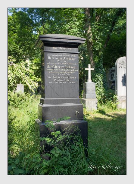 Grab der Familie Aichmayr auf dem Alten Südfriedhof München (Juli 2013)