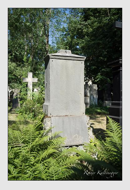 Grab der Familie Bucher auf dem Alten Südfriedhof München (Juli 2013)