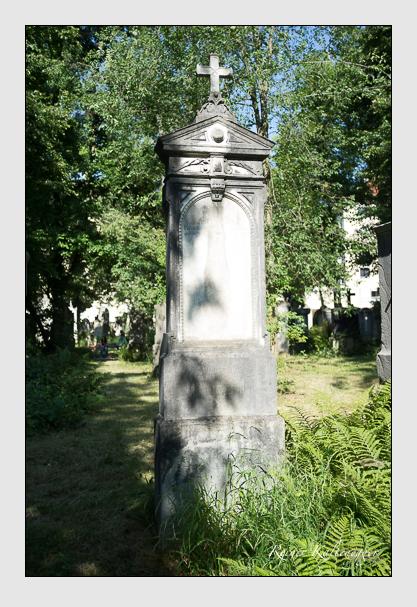 Grab der Familien Heiler · Seiler auf dem Alten Südfriedhof München (Juli 2017)