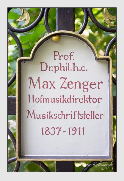 Grab der Familie Zenger auf dem Alten Südfriedhof München (Juli 2013)
