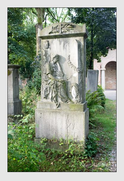 Grab der Familien Sendtner & Völderndorff-Waradein auf dem Alten Südfriedhof München (August 2013)
