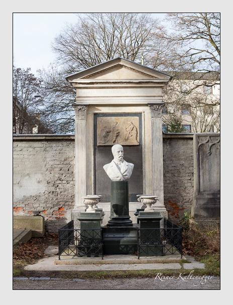 Grab der Familie Albert auf dem Alten Südfriedhof München (Dezember 2013)